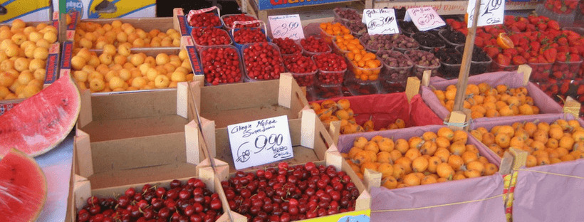 The markets in Italy are full of fresh fruit.