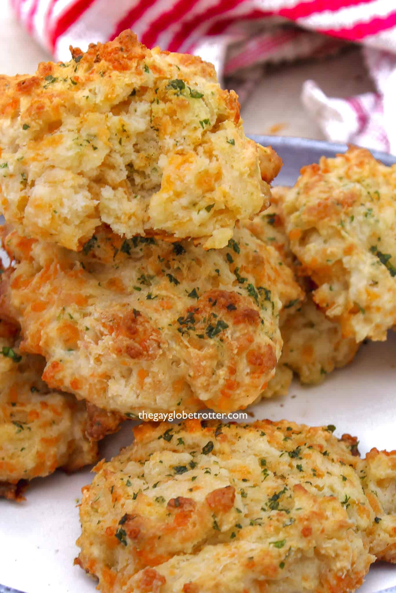 Copycat Red Lobster chedday bay biscuits.